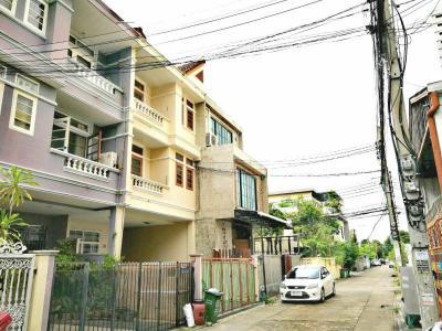ทาวน์เฮาส์ 24500 กรุงเทพมหานคร เขตห้วยขวาง สามเสนนอก